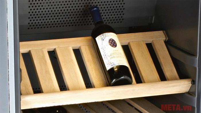 Tủ rượu Brandt CAV50B - 50 chai có khay để được làm từ chất liệu gỗ