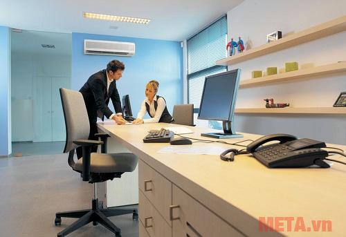 Văn phòng không có quá nhiều nhân viên và thiết bị có thể tính toán công suất điều hòa, máy lạnh như tại các gia đình.