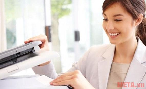 Chức năng in 2 mặt của máy đem đến cho người dùng nhiều tiện ích khi sử dụng