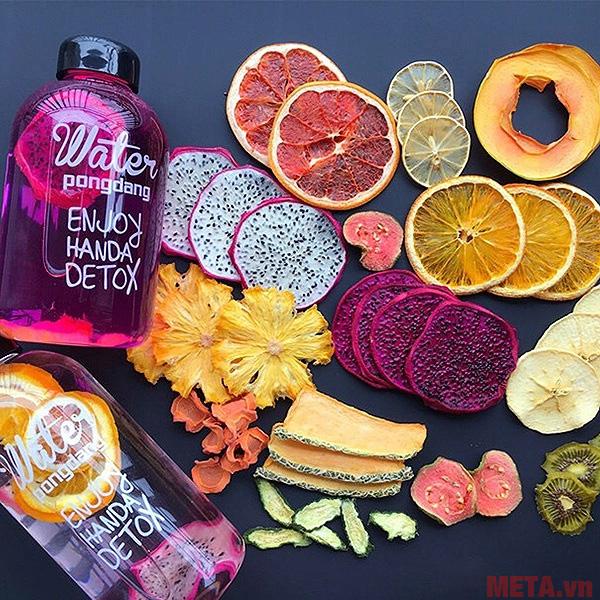 Detox hoa quả khô là loại thức uống rất tốt cho các chị em đẹp
