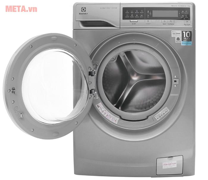 Máy giặt cửa trước 11kg Electrolux EWF14113S giúp giặt giũ nhanh chóng