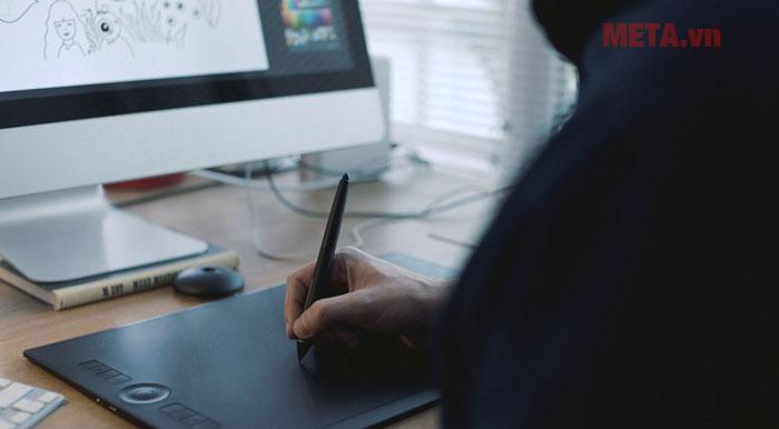 Bảng vẽ máy tính điện tử Wacom Intous Pro Medium