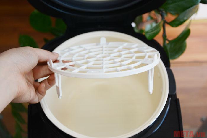 Khay đựng tỏi được làm từ chất liệu nhựa