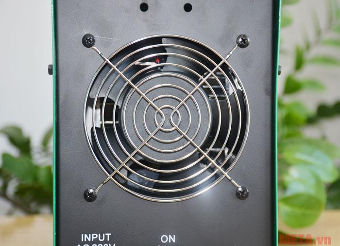 Quạt gió giúp động cơ của máy hoạt động ổn định
