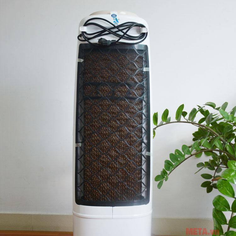 Tấm làm mát được thiết kế dễ dàng tháo ra vệ sinh