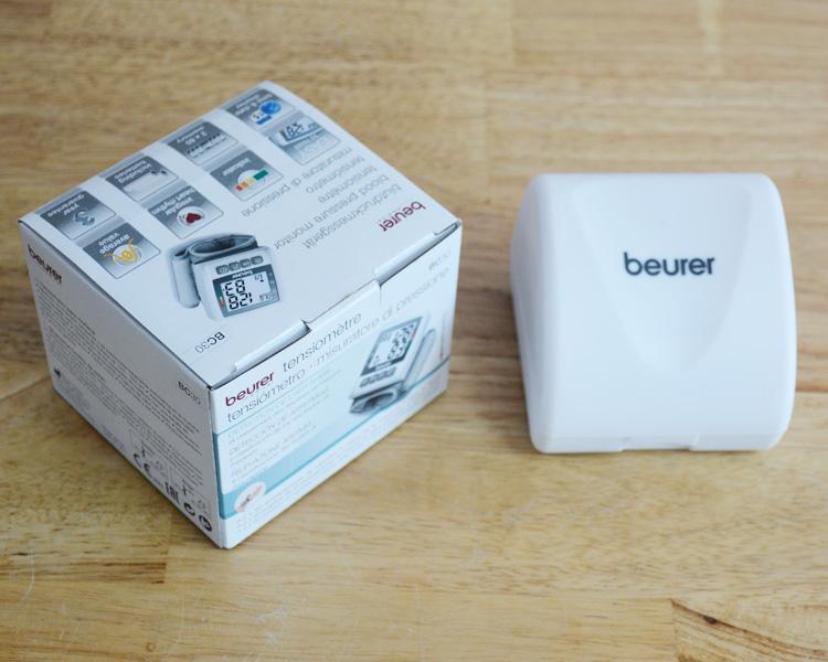 Trọn bộ sản phẩm máy đo huyết áp cổ tay Beurer BC30