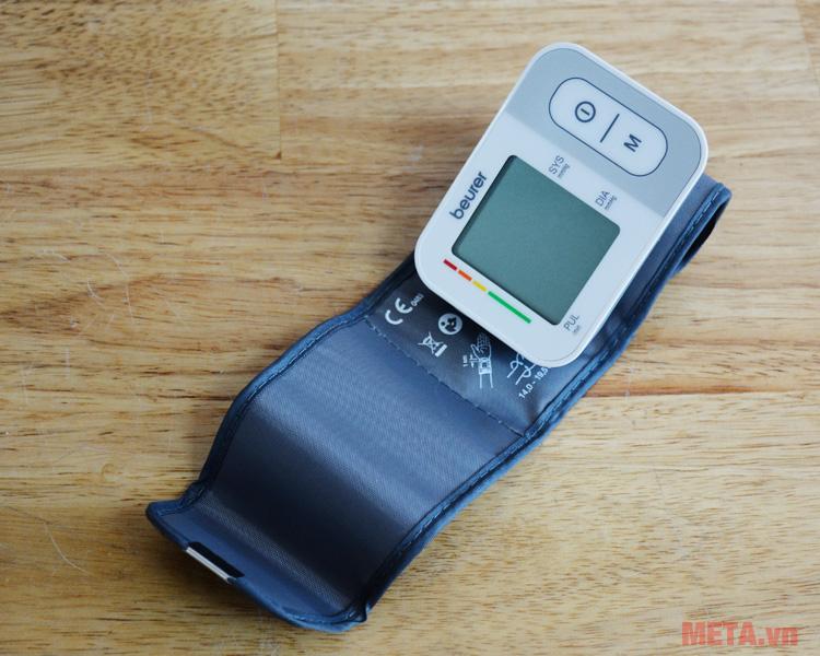 Máy đo huyết áp cổ tay Beurer BC28 có chu vi vòng bít: 14 - 19,5 cm