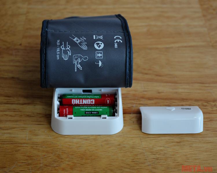 Máy đo huyết áp cổ tay Beurer BC28 sử dụng 2 pin AA