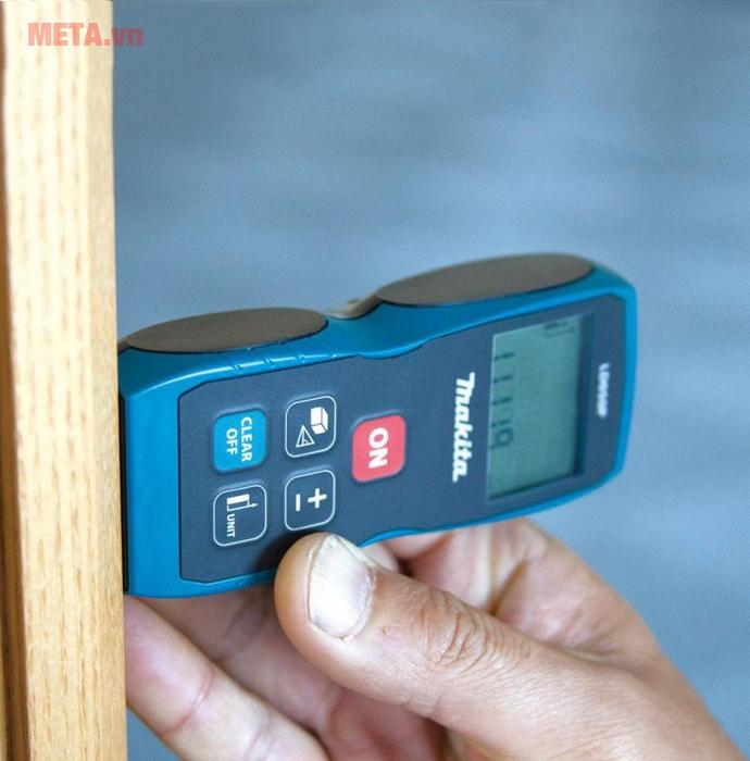 Máy đo khoảng cách cân bằng laser Makita LD050P