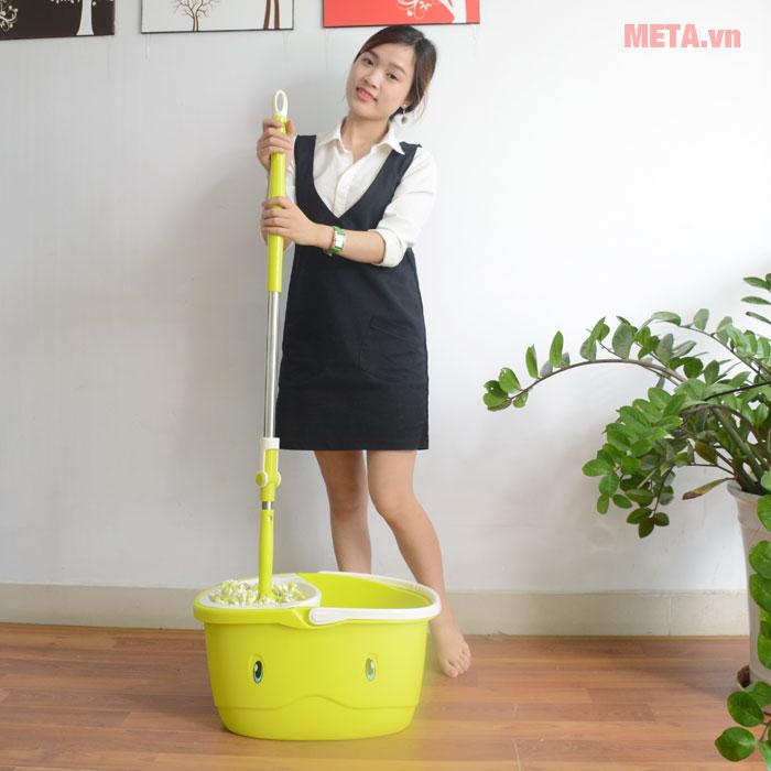 Sử dụng bộ lau nhà