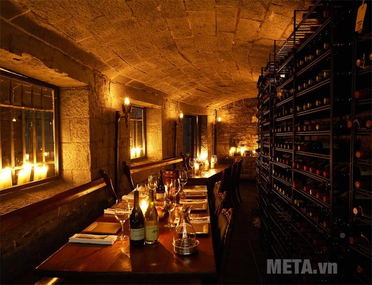 Giữ cho rượu vang trong bóng tối