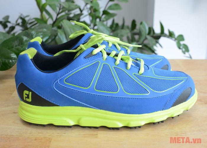 Giày golf nam có màu sắc trẻ trung
