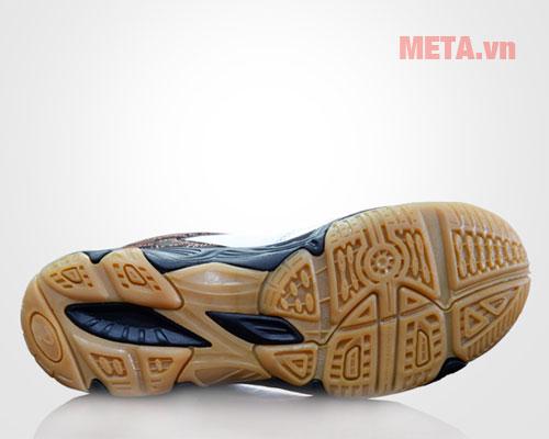 Giày cầu lông có phần đế ma sát