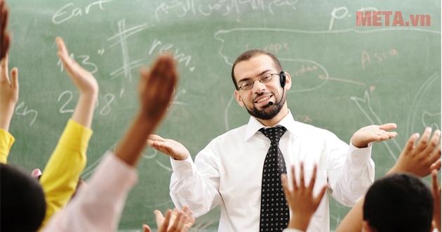 Máy trợ giảng hỗ trợ đắc lực cho các giảng viên