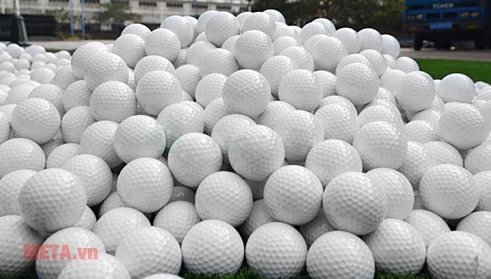Hình ảnh bóng golf tập
