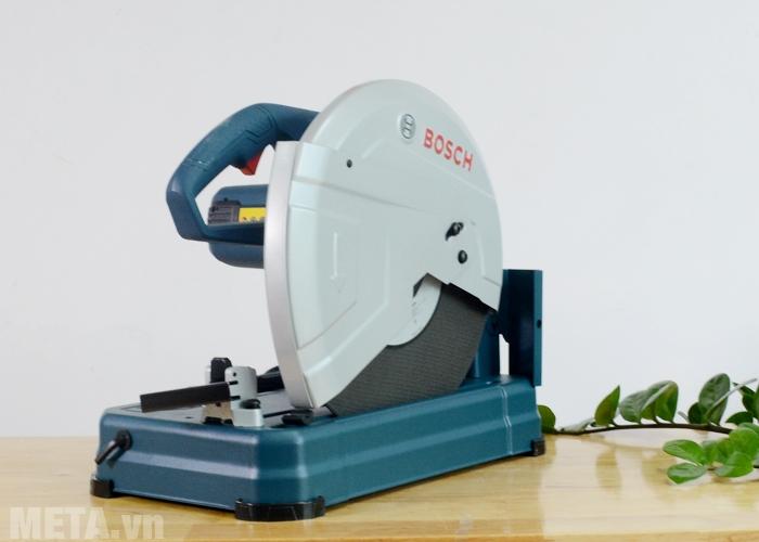 Máy cắt sắt Bosch có thiết kế để bàn chắc chắn