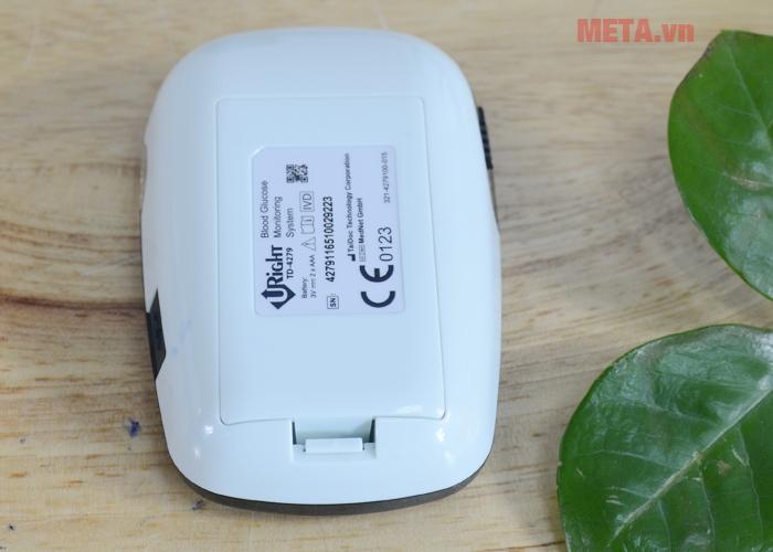 Máy đo đường huyết Uright TD-4279 sử dụng 2 pin AAA 1,5V