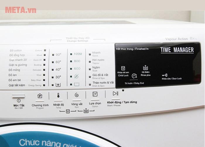 Bảng điều khiển tích hợp nhiều chức năng giặt giũ