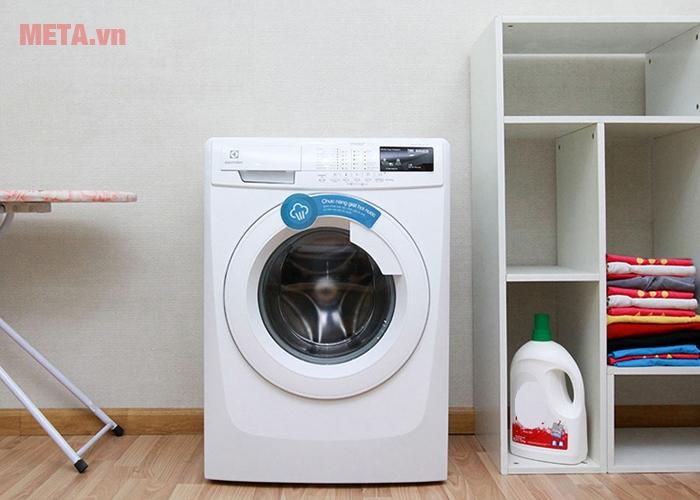 Hình ảnh máy giặt cửa trước 7kg Electrolux EWF80743