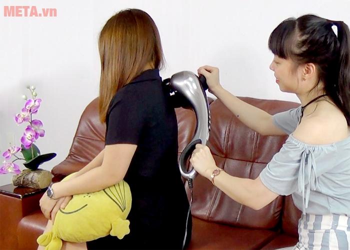 Bạn có thể tự massage hoặc massage cho người khác