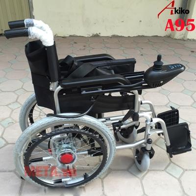 Xe lăn điện A95 Akiko có thể gấp gọn gàng tiện lợi