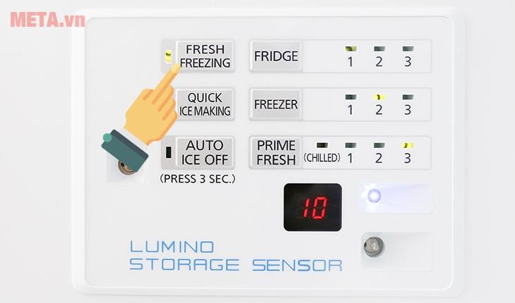 """Ấn nút """"Fresh Freezer"""" để bật tắt chế độ làm đông ngăn tươi"""