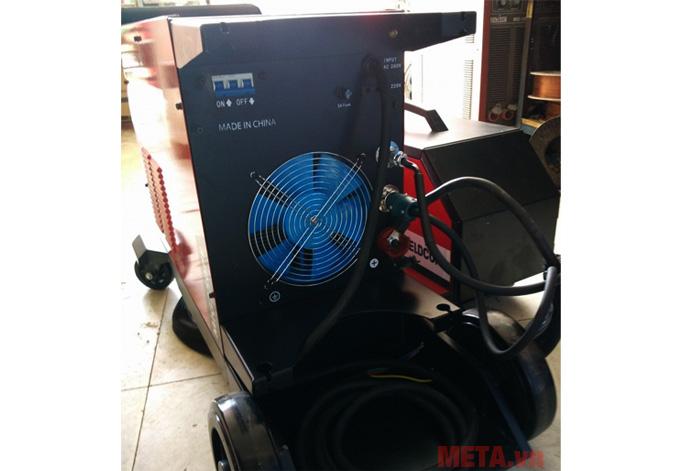 Máy có quạt gió giúp động cơ hoạt động ổn định