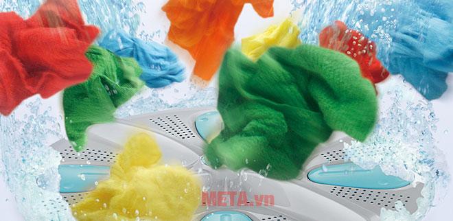 Máy giặt lồng đứng Hitachi SF-S95XC giặt với chuyển động nén, đảo, chà xát mạnh mẽ