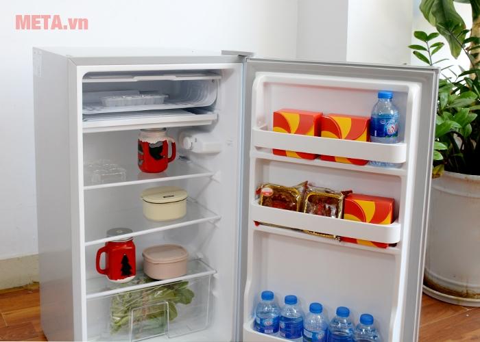 Các khay kệ của tủ lạnh mini Midea HS-122SN được làm bằng kính cường lực