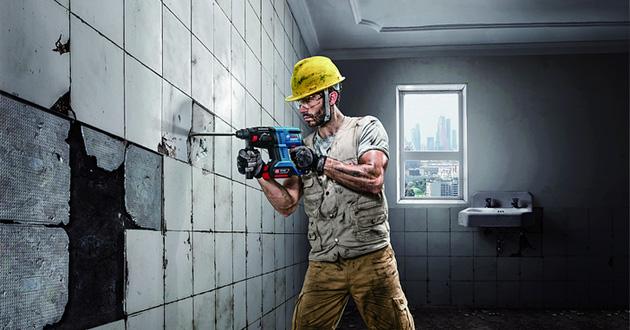 Sử dụng máy khoan bê tông dùng pin sẽ không giới bị giới hạn về khoảng cách làm việc