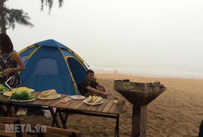 Hình ảnh sử dụng lều trại