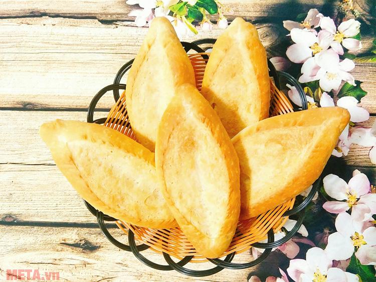 Bánh mì truyền thống đơn giản, dễ ăn