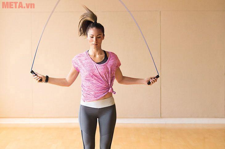 Nhảy dây tạo cho bạn sự nhanh nhẹn và kết hợp tăng sức bền cho cơ thể