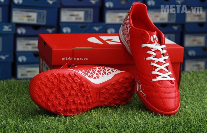 Giày bóng đá có chất liệu cao cấp