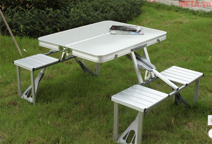 Bộ bàn ghế dã ngoại kim loại, tiện lợi - BK1