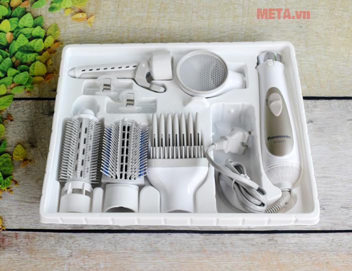 Máy và các đầu sấy được bọc cẩn thận trong hộp xốp