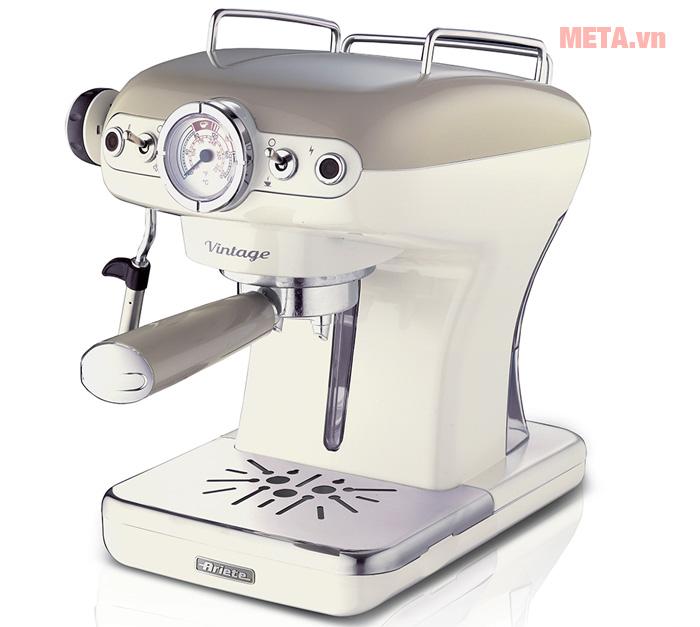 Máy pha cà phê Ariete MOD 1389 sử dụng chất liệu cao cấp, sáng bóng.