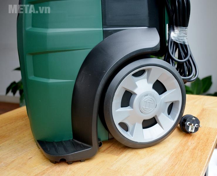 Máy rửa xe Bosch AQT 45-14X có bánh xe lớn dễ dàng di chuyển
