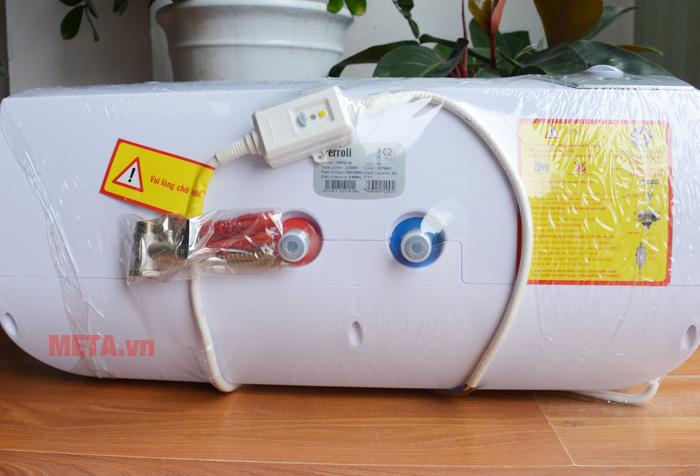 2 ống dẫn nước riêng biệt