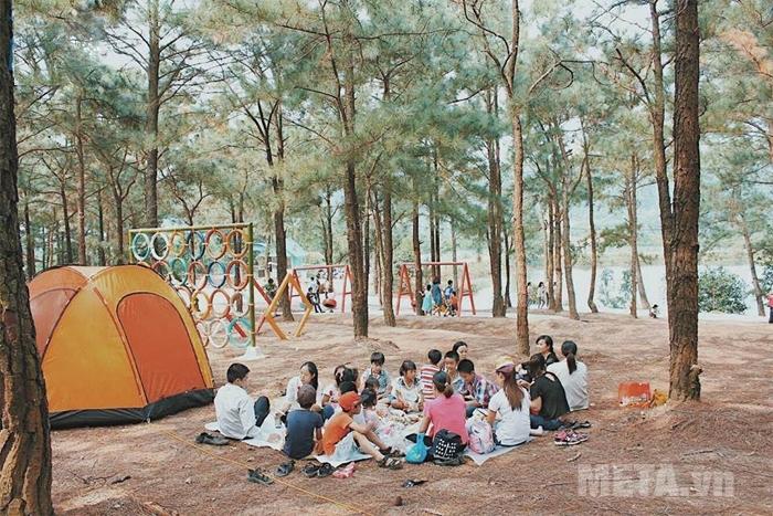 Kinh nghiệm chọn mua lều cắm trại giá rẻ