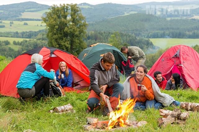 Lều cắm trại cho nhiều người
