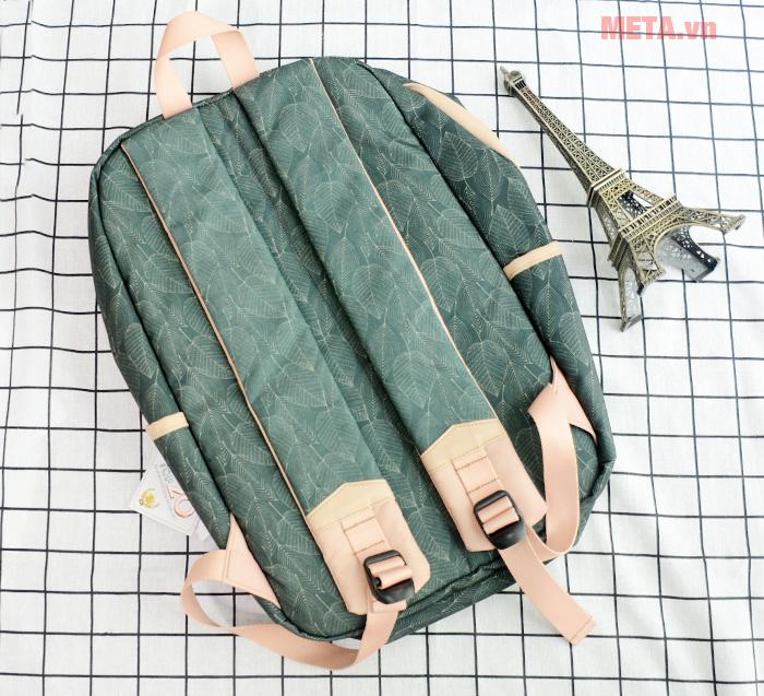Balo được làm từ chất liệu vải bền bỉ