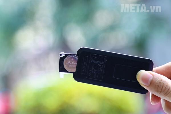 Điều khiển từ xa sử dụng 1 pin CR 2032
