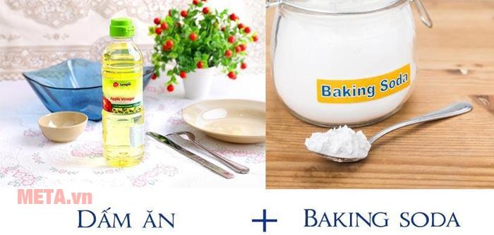 Vệ sinh bồn nước bằng dấm hay baking soda