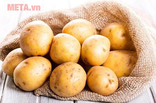 Dùng khoai tây