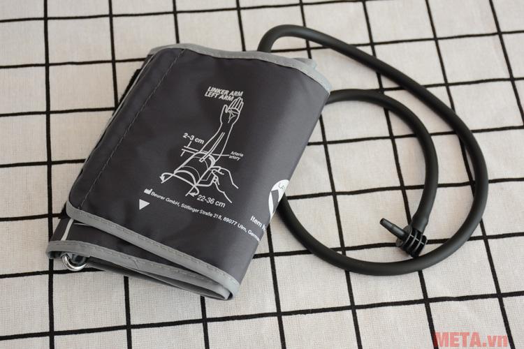 Máy đo huyết áp bắp tay Beurer BM-35 với thiết kế sang trọng.
