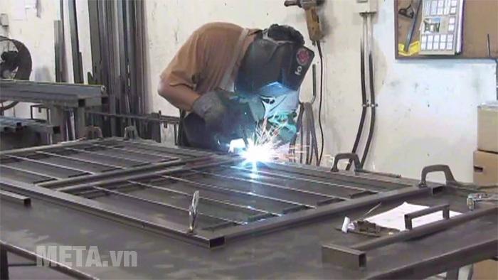 Cách hàn cửa sắt, cổng sắt không bị cong vênh