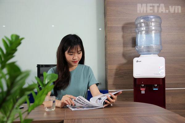 Cây nước nóng lạnh FujiE phù hợp sử dụng trong văn phòng