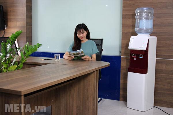 Cây nước nóng lạnh FujiE WD-1500U-KR-Red sở hữu công nghệ làm lạnh Block