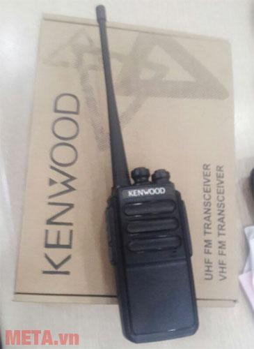 Bộ đàm Kenwood TK 3206 với 16 kênh nhớ